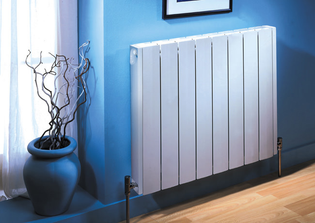 What does bimetal radiator mean  What is better bimetal